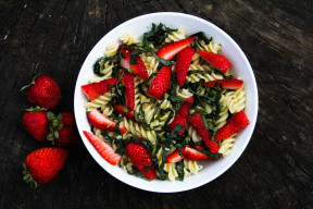 Strawberry and Kale Pasta